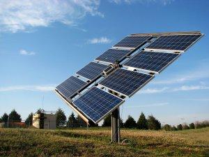 Mut'ta elektriği olmayan köy, güneş enerjisi ile içme suyuna kavuştu