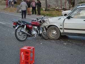 Bozyazı'da otomobil ve motosiklet çarpıştı