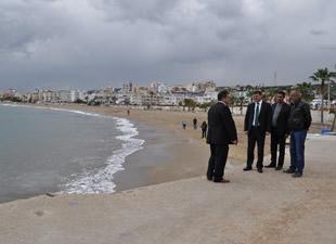 Atakent sahili, modern bir görünüme kavuşuyor