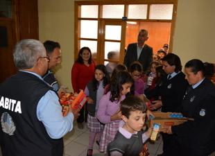 Bozyazı Belediye Başkanı Mehmet Ballı, öğrencilerle buluştu