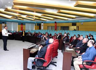 Başkan Can, Tarihi Ticaret Merkezi Kentsel Tasarım projesi için bölge esnafıyla görüştü