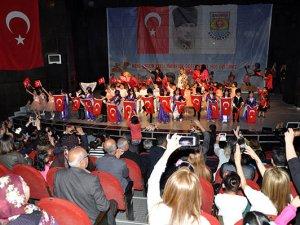 Belediye Kreşi öğrencileri, izleyenleri büyüledi