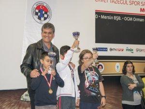 Yenişehir Belediyesi 23 Nisan Geleneksel Satranç Turnuvası yapıldı
