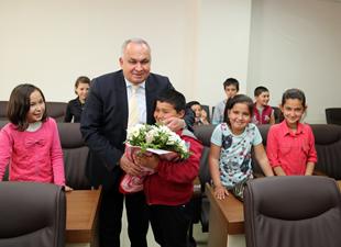 Başkan Tollu'dan 23 Nisan'da çocuklara uçurtma şenliği