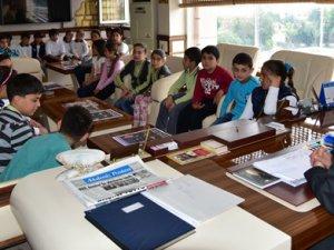 Akdeniz İlkokulu, Yerel Yönetimler Dersi'ni Anamur Belediyesi'nde işledi