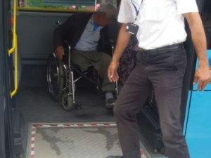 Anamur'da Şoförlerden Engelli ve Yaşlılara Yardım