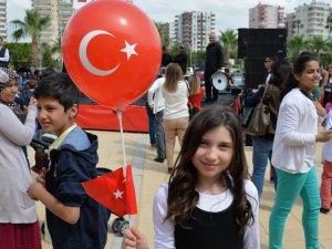 23 Nisan Ulusal Egemenlik ve Çocuk Bayramı Mersin'de coşkuyla kutlandı