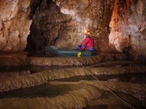 Çukurpınar Mağarası gezginleri bekliyor