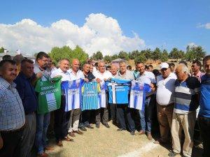 Erdemli'de futbol turnuvasına belediye desteği
