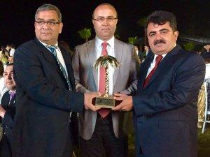 """MİYSAD, """"Yılın STK Özel Ödülü""""nü aldı"""