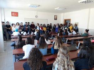 Liseli Gençler İle Üniversiteli Gençler Buluştu!
