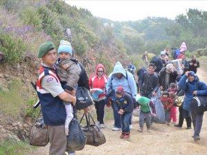 426 mülteciyle yakalanan gemi mürettebatı Adliye'ye sevk edildi