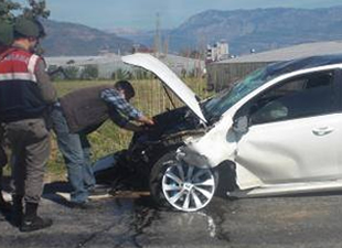 Araç şarampole yuvarlandı, 2 kişi yaralandı