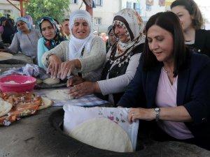 Akdeniz Belediyesi, ekmek tandırı inşa etti