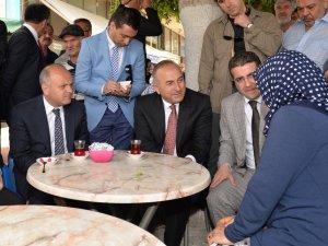 Dışişleri Bakanı Çavuşoğlu'ndan Mersin turu