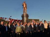 Tarsus'ta Haydar Aliyev Parkı ve Anıtı açıldı
