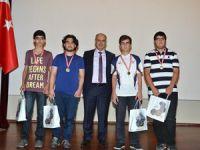 Şampiyon matematikçilere madalya