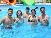 Mezitli'de havuz sezonu açıldı