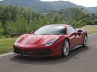 Ferrari'nin yeni modeli fiyatıyla dikkat çekiyor