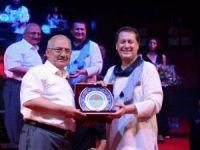 Ahmet Özhan'dan muhteşem konser