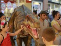 Çocuklar, nesli tükenen hayvanlarla Forum Mersin'de tanıştı