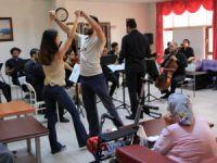 MDOB'dan huzurevi sakinlerine konser
