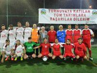 Çamlıyayla Belediyesi'nin düzenlediği Şehit Er Mustafa Oğuz Futbol Turnuvası başladı