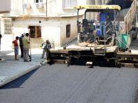 Akdeniz Belediyesi, yol çalışmalarına devam ediyor