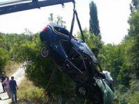 Mersin'de otomobil dereye uçtu: 1 ölü