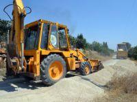 Erdemli'de yol çalışmaları Esenpınar'da devam ediyor