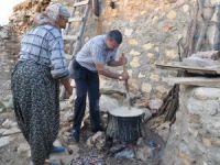 Başkan Turgut, köylü kadınlarla tarhana yaptı