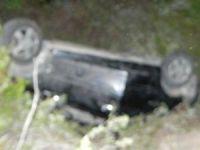 Bozyazı'da otomobil uçuruma yuvarlandı