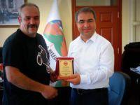 Tarsus Motor Sporları Kulübü'nden Başkan Tepebağlı'ya teşekkür plaketi