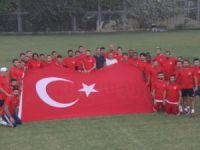 Mersin İdman Yurdu oyuncularından teröre bayraklı tepki