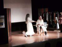 'Demos ve Kratos' belgesel tiyatro gösterisine yoğun ilgi