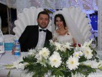 Fazilet Tuğrul ile Abdulkerim Okbaz, yapılan görkemli bir düğünle dünya evine girdi