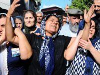 Ankara'daki hain saldırıda yaşamını yitiren Leyla Çiçek ve Metin Peşmen Tarsus'ta toprağa verildi