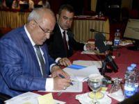 Mersin Büyükşehir Belediyesi Ekim ayı meclisi toplantısına kaldırım işgalleri damga vurdu