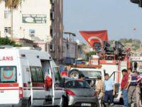 Erdemli'de ambulans ile otomobil çarpıştı: 8 yaralı