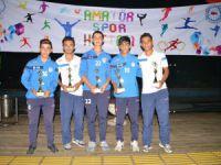 Akdeniz Belediyespor ödüle doymuyor, futbol kategorisinde 6 ayrı kupayı müzesine götürdü