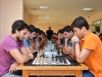 """Mersin Üniversitesi """"Cumhuriyet Satranç Turnuvası"""" sona erdi"""