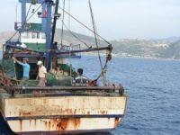 Sahil Güvenlik, Mersin'de yasa dışı avcılığa göz açtırmıyor