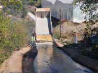 Çarıklar'da asfalt çalışması sürüyor