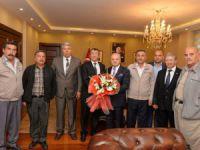 Yeni kurulan muhtarlar derneğinden Vali Çakacak'a ziyaret