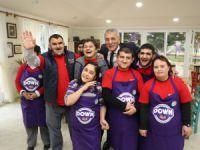 """Mersin'de bir ilk! Mezitli'de """"Down Kafe"""" açıldı"""