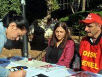 Akdeniz Belediyesi'nden taşeron işçiye destek