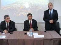 Anamur Kaymakamı Cengiz Cantürk ve Anamur Belediye Başkanı Mehmet Türe, Anamur'daki üniversiteli öğrencilerle buluştu
