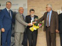 Mersin Kenti Edebiyat Ödülü, Şair Cevat Çapan'a verildi