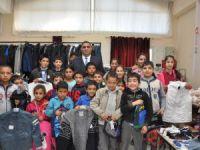 Tarsus'ta Sosyal Market sevindiriyor