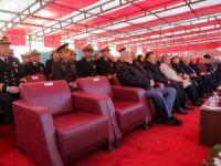Mersin'in kurtuluş gününde AK Parti'liler koltukları beğenmeyince töreni terk etti